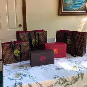 2 large Tory Burch bags, 1 medium and 2 shoe boxes